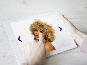 Friseur TV auf Tablet