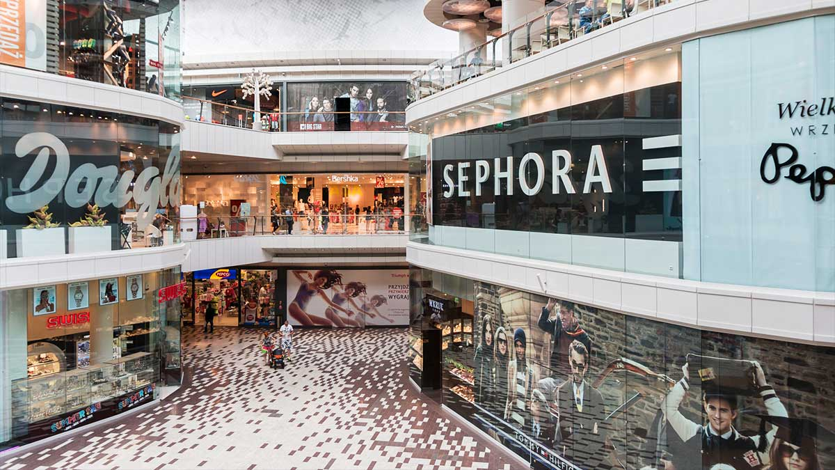 Traditional shopping mall